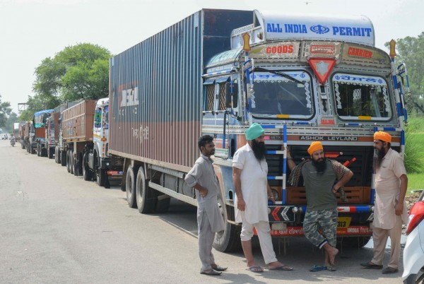 印度48歲男子Khamra向警方坦承,過去8年至少殺害了33名貨車司機。圖為印度當地貨車司機示意圖,人物與新聞事件無關。(法新社)