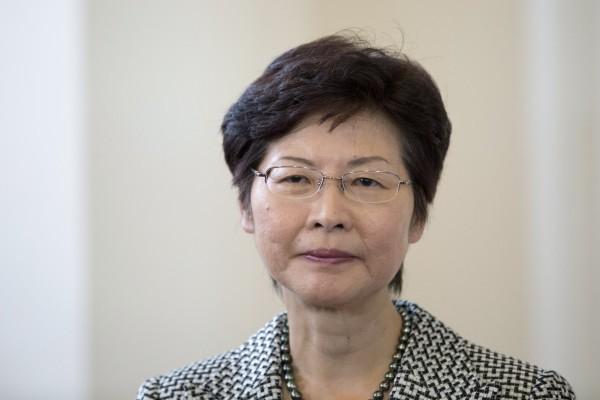 香港政務司長林鄭月娥今天宣布請辭,準備投入特首選舉。(彭博)
