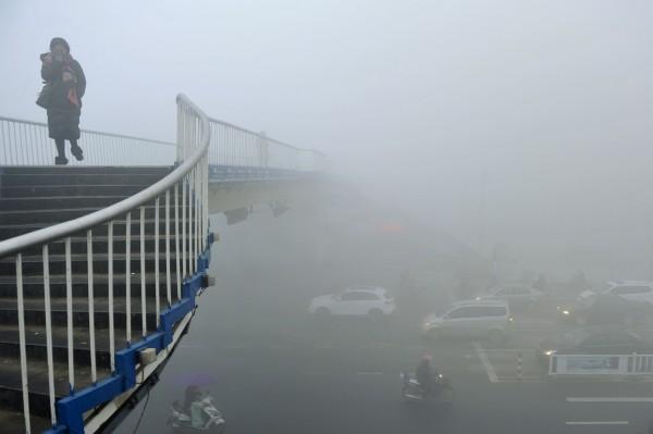 圖為3日安徽省霧霾嚴重。(美聯社)