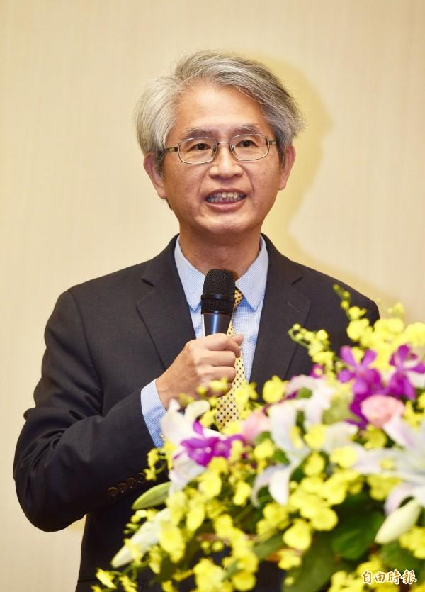 台大法律學院校友會理事長謝銘洋教授等人,一起提出對司改的10大期許。(記者羅沛德攝)