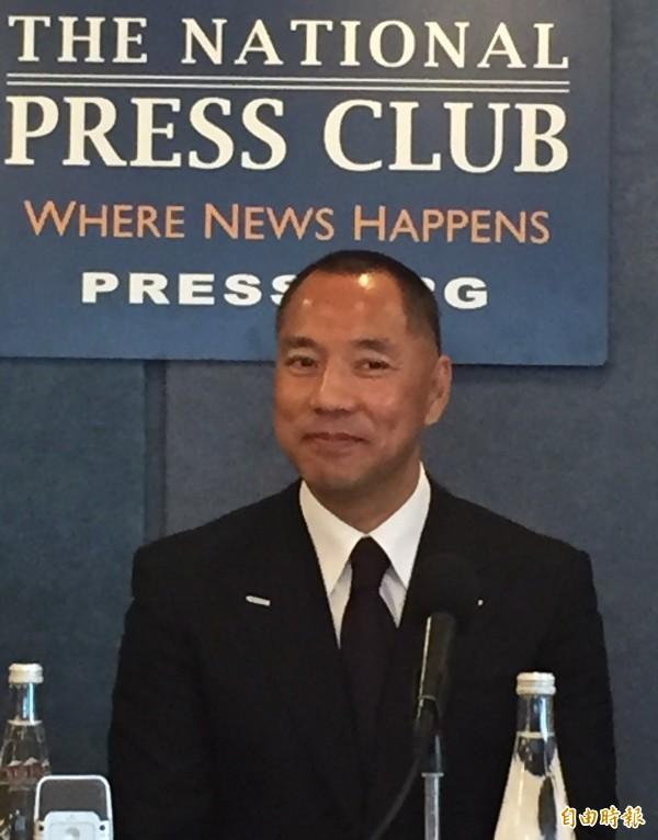 郭文貴首次公開記者會,大爆中國現任國務院副總理劉延東有巨大的腐敗問題,他將在第二波爆料中公開。(記者曹郁芬攝)