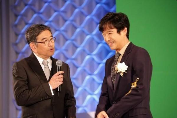 東京電視劇大賞2014,「半澤直樹」堺雅人榮獲最佳男主角榮譽。(圖擷取自CinemaToday推特)