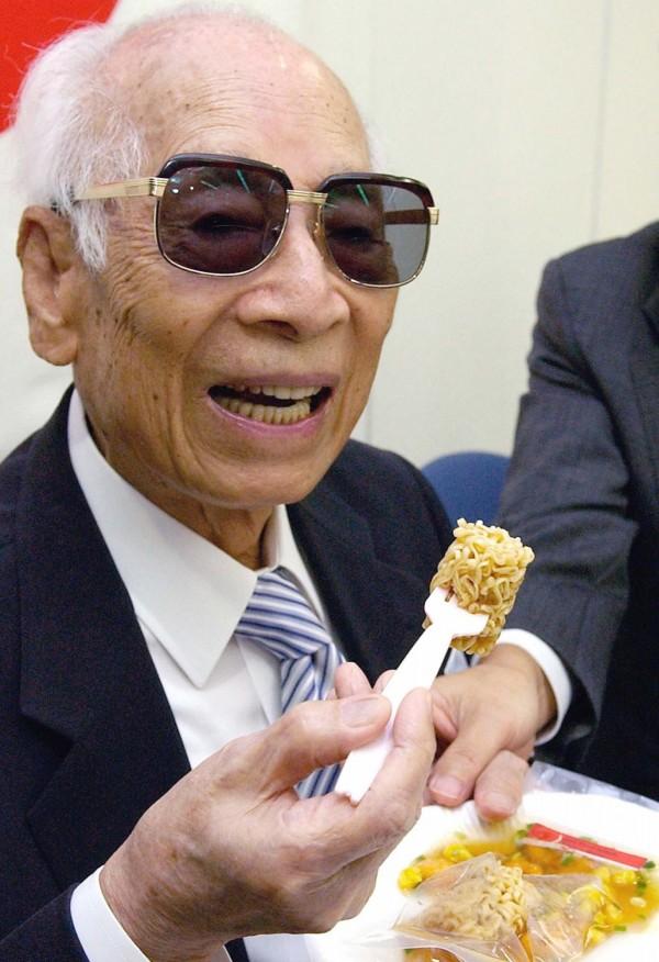 被譽為「泡麵之父」的安藤百福,本名吳百福,是道地台灣人。(美聯社)