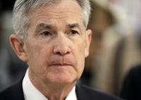 美國聯準會主席鮑威爾將在利率決策公布後舉行記者會,他的發言將成為市場推測今年是否升息4次的依據。(美聯社)