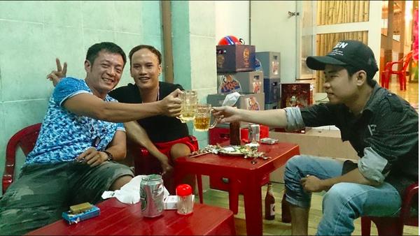 甯其遠說,2014年發生「大暴動」時,他還在跟隔壁桌的越南人聊天,並直言自己是台灣人,當時不但沒被打,還被請喝酒。(圖由甯其遠提供)