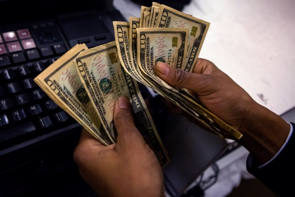 美國社安局近日被爆不斷發放退休金給死者,金額高達美金2000萬,引起外界撻伐。(路透)