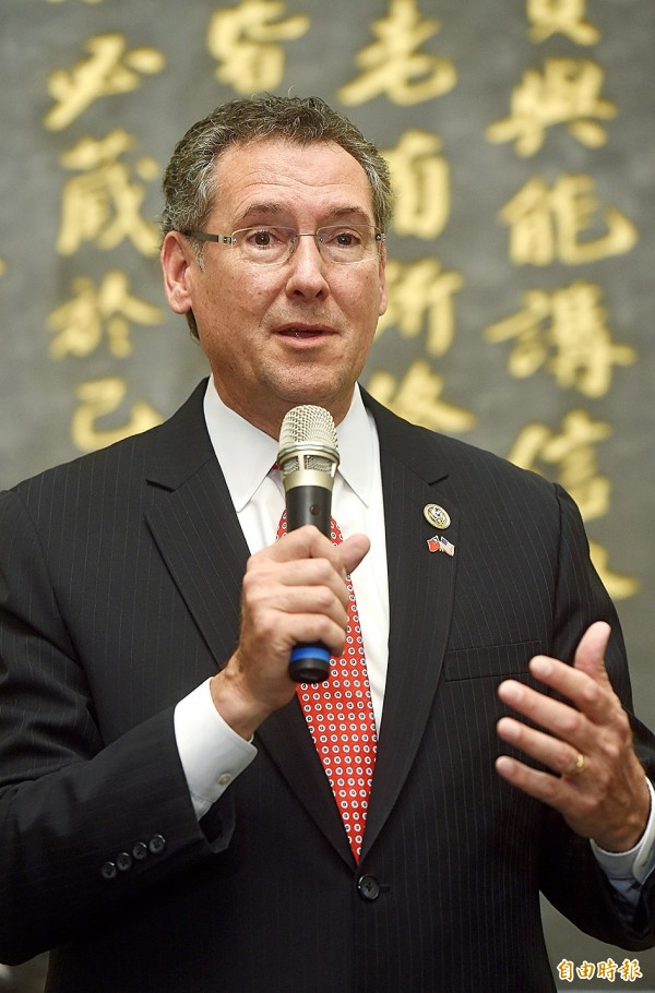 US Representative Gregg Harper speaks at a news conference in Taipei yesterday.