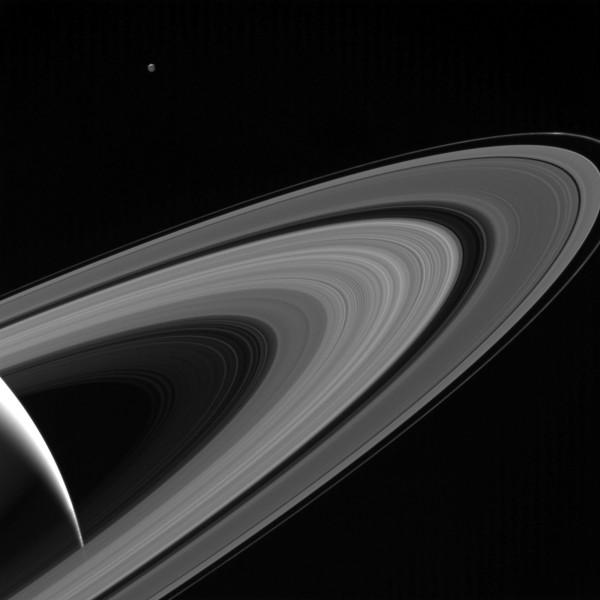卡西尼號5月傳回地球的土星照片。(法新社)