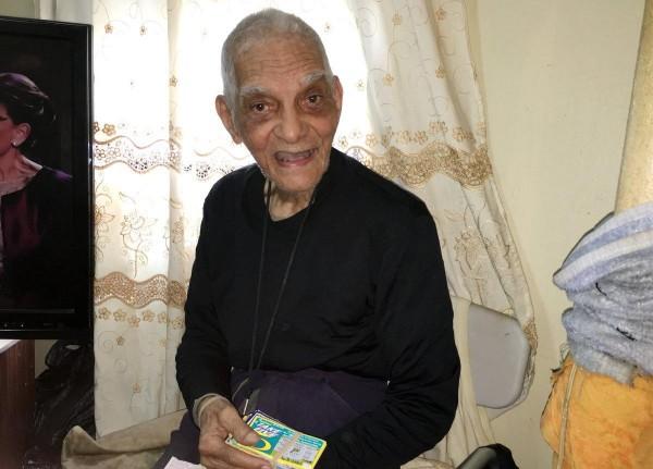 美國94歲老人安立寇(Enrico Del Rio)在8年內共中獎376次,總中獎金額已達新台幣4216萬元。(圖擷自New York Daily)