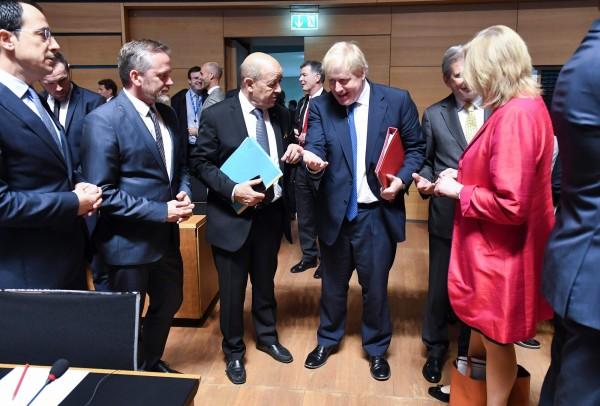 歐盟28國外長今日在盧森堡舉行會議後表示,準備對敘利亞祭出制裁。(法新社)