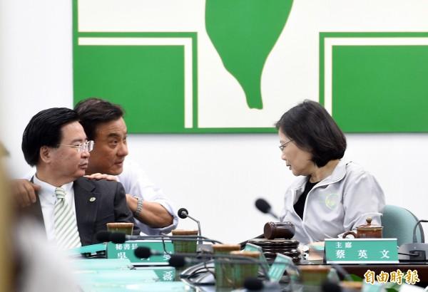 民進黨自估立委過半 總席次達54至64席
