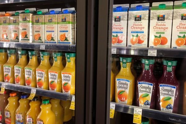 美國3位兒科專家在《紐約時報》撰文直指,「說真的,果汁並不健康」。(路透)