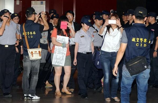 賴中強痛批台灣為了迎合中國而犧牲自由人權。(記者朱沛雄攝)