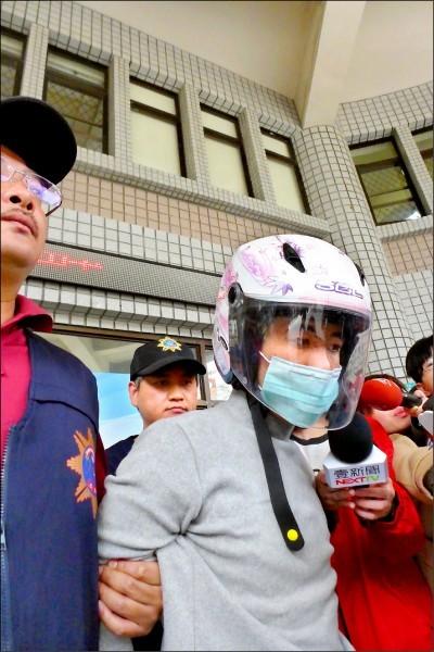 28歲詹姓男子去年3月29日,持牛排刀砍殺黃姓捷運警察。(資料照)