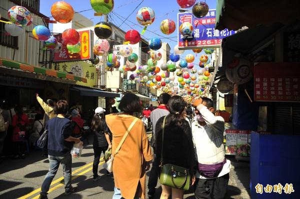 比起高雄爭取觀光客最近話題不斷,台南在地人通常反而是拜託遊客別再來了。(資料照)