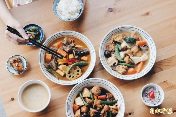 丰富食堂的料理主打日系家庭風格料理。(即時新聞攝)