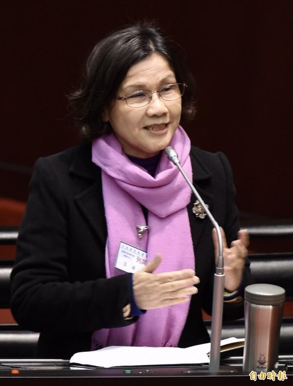 監察委員被提名人王幼玲被立委問到,是否贊同本次政府勞基法修法,她說,如果從國際人權公約來看,這次修法並沒有進步。(記者簡榮豐攝)