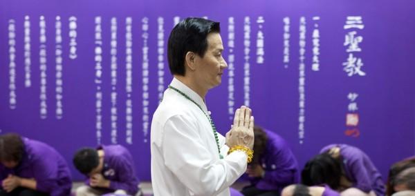 宗教團體「佛教如來宗」創辦人妙禪,因收受信徒2輛價值4000萬的勞斯萊斯,引發各界議論。(圖擷取自「佛教如來宗」官網)