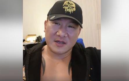 館長昨也開直播要郭李奧不要再打電話到健身房內騷擾。(圖取自館長臉書)