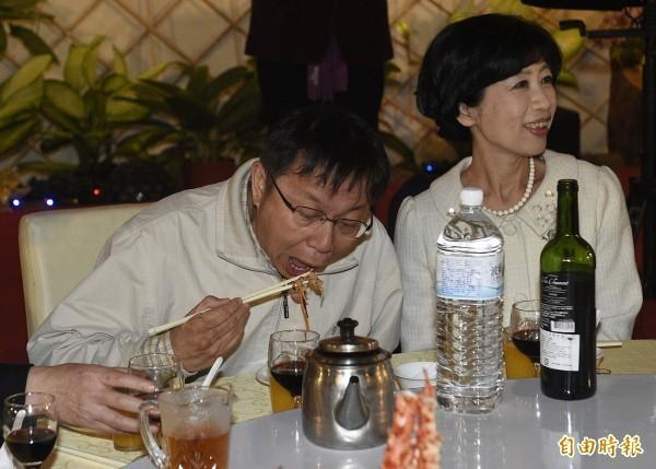台北市長柯文哲以高速吃飯聞名。(資料照,記者陳志曲攝)