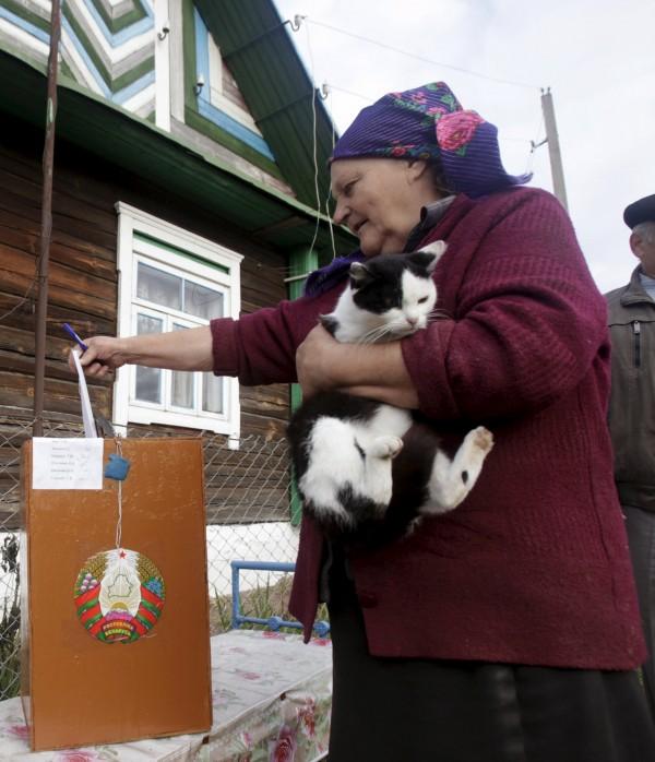 據官方民調顯示,魯卡申科仍有高達76%的支持率。(路透)
