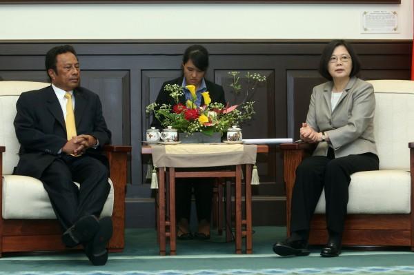 跟馬不一樣!小英會晤外賓 言必稱「台灣政府」