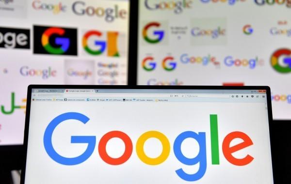許女 Google 帳號被盜,隨即查出帳號被綁定多張信用卡、盜刷近12萬元,報警處理後後來沒有金錢損失,沒想到還是成了被告。(法新社)
