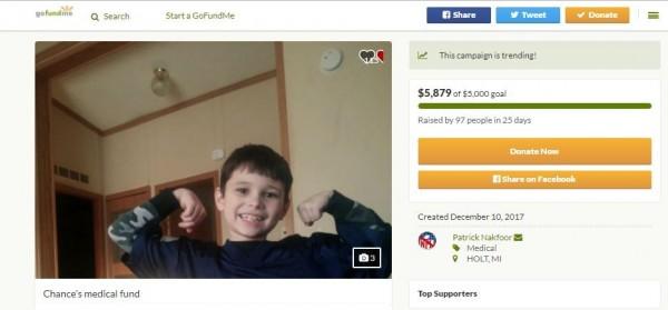 善心人士為這名男童及家人發起募款,盼外界伸援手。(圖擷取自GoFundMe)