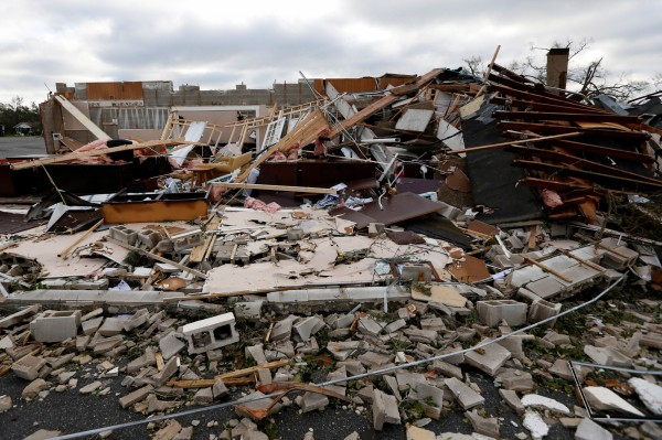 颶風過後佛州一片狼藉,宛若廢墟。(路透)