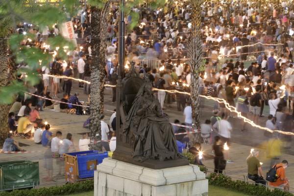 自六四天安門事件以來,香港支聯會年年都會在維多利亞公園舉行悼念晚會。(美聯社)