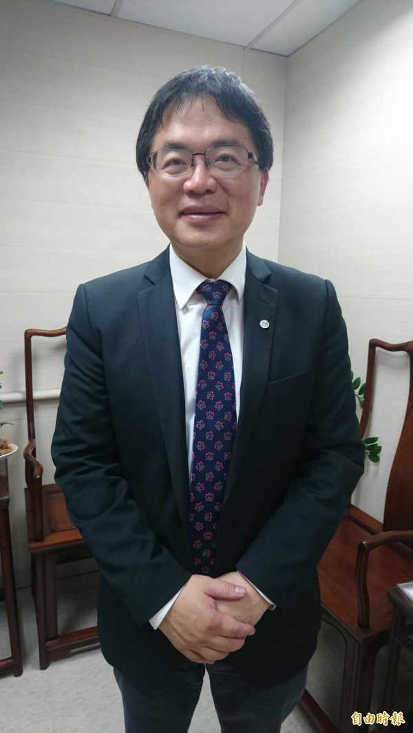 從秘書長到代理市長,李孟諺用李式幽默消除初接任的緊張。(記者劉婉君攝)