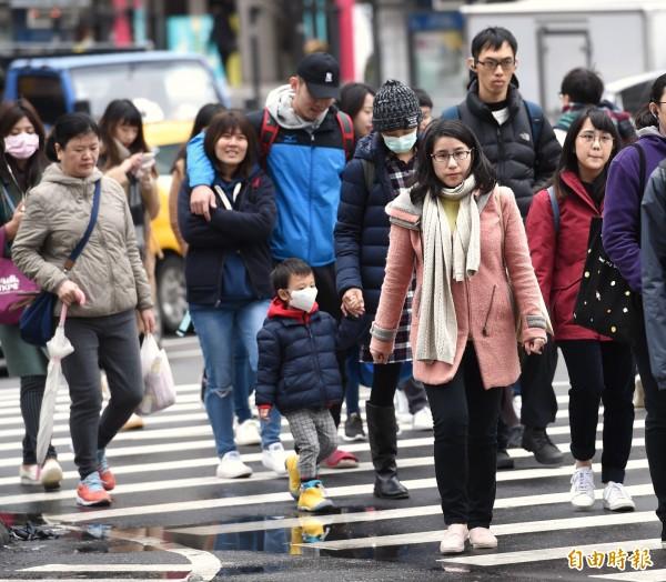 氣象專家吳德榮表示,下週台北市低溫可能下探14、15度,有符合大陸冷氣團定義的機率。(資料照)