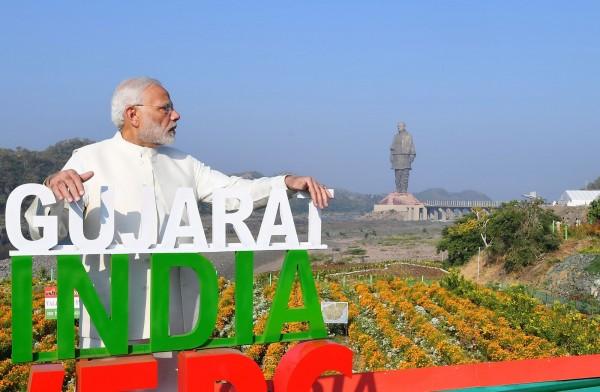 印度總理莫迪(Narendra Modi)親自出席雕像揭幕式,他表示:「印度歷史會記得這一天。」(法新社)