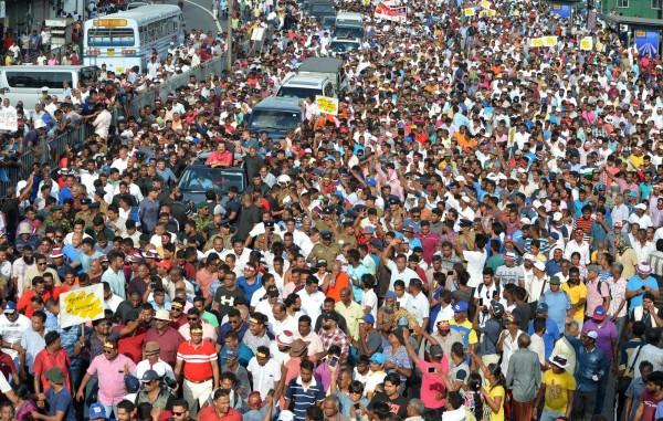 當局沒有透露估計人數,不過有獨立分析師認為,人數約有1萬5000人,大多來自農村地區。(法新社)