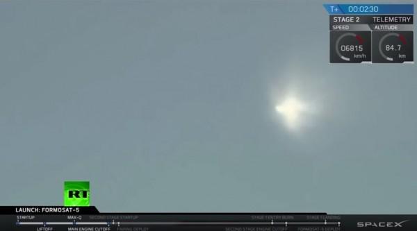 獵鷹九號乘載福衛五號發射升空。(取自SpaceX官網影片)