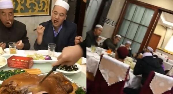 豬外皮被夥伴用刀劃開,鮮美的豬油滴到菜盤上,令影片中2名男子看得目不轉睛。(圖擷取自微博)