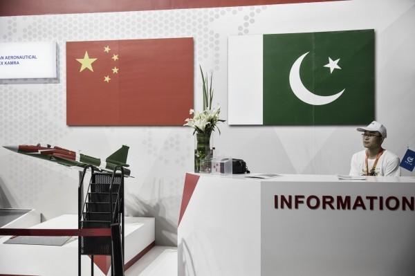 外媒指出,中國與巴基斯坦將擴大在軍事上的合作。(彭博資料照)