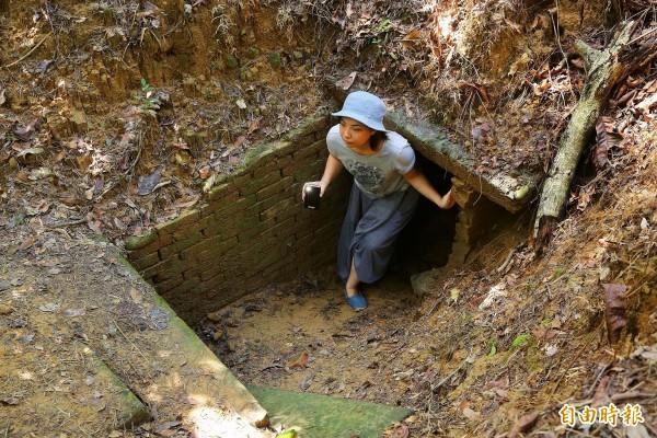 橄欖山越共村底下密布的隧道是遊客必玩的探險體驗,也成為礁坑社區一大特色。(記者潘自強攝)