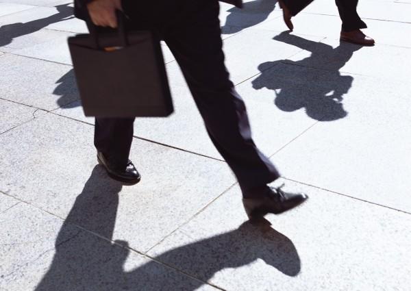 徵信業者當起「雙面諜」被依背信罪起訴。(情境照)