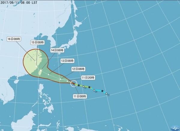 氣象局大幅北調泰利颱風的登陸地點,最新預測指出泰利颱風將在花蓮以北登陸台灣,強度也達中度颱風以上。(中央氣象局)