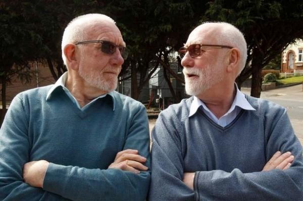 理查森(圖右)與傑米森(圖左)雖然不是雙胞胎長相卻極為神似。(圖擷取自《鏡報》)