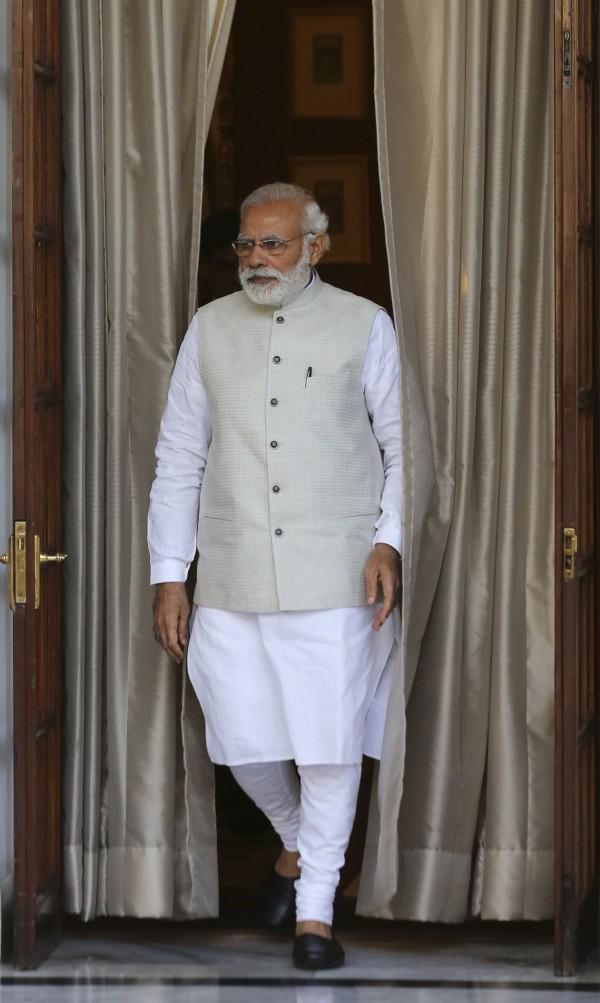 印度總理莫迪希望吸引美金1000億的投資,建設大型太陽能園區。(美聯社)