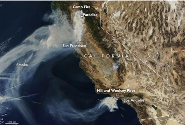 目前加州共有北部坎普野火(Camp Fire)、南部希爾野火(Hill Fire)與伍爾西野火(Woolsey Fire)。(圖擷自NASA Earth Observatory網站)