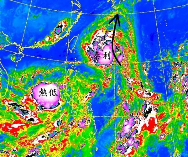 泰利颱風持續逼近台灣,中央氣象局科技中心主任鄭明典在臉書貼文,指「泰利的孿生夥伴也開始對流爆發起來,很有機會正式成為夥伴颱風。」(圖擷自鄭明典臉書)