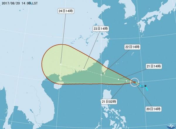 中央氣象局都預測天鴿颱風中心將從鵝鑾鼻近海通過。(中央氣象局)
