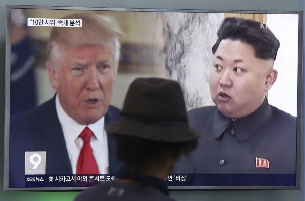 南韓特使已經傳遞給川普一項關於北韓領導人金正恩的口信,說明金正恩有意和川普見面。(美聯社資料照)