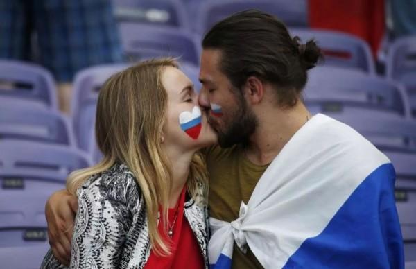 俄羅斯議員普萊妮娃希望俄國女球迷「別和外國球迷上床」,以免生下混血兒後成為單親媽媽,應該和俄羅斯公民生下「自己人的小孩」。(路透)