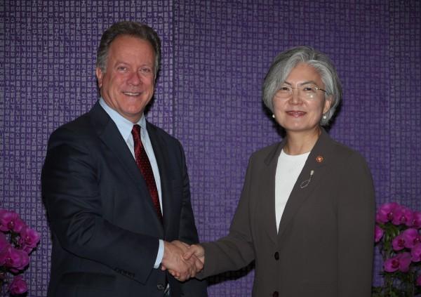 南韩外交部长康京和指出,2018年乃与世粮署达成援助协定的50周年,会继续提供南韩产出的大米等物资,协助救援饥饿地区。(欧新社)
