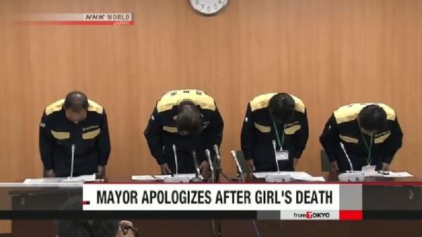 高槻市市長濱田武今日下午召開記者會,為女童之死道歉。(圖擷取自NHK影片)