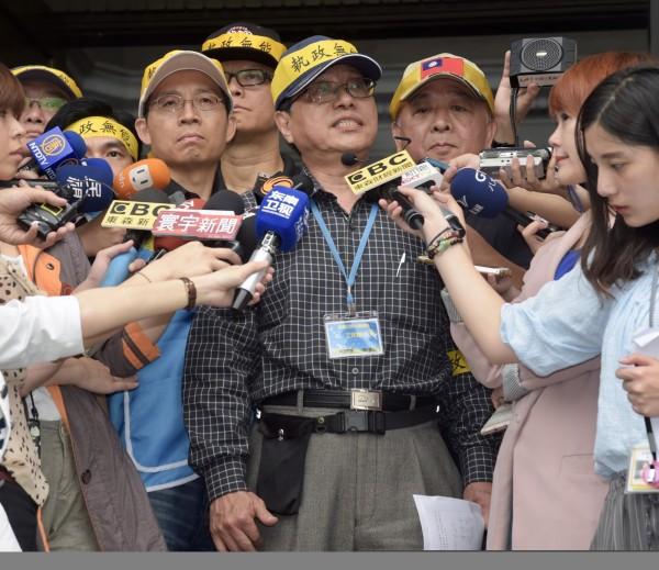 李來希嗆聲表示要代替警察行使職務、協助管控秩序,更表明:「會讓一隻蚊子都進不去立院。」(資料照,記者黃耀徵攝)